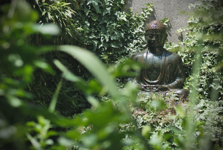 statue du Bouddha le jardin du centre